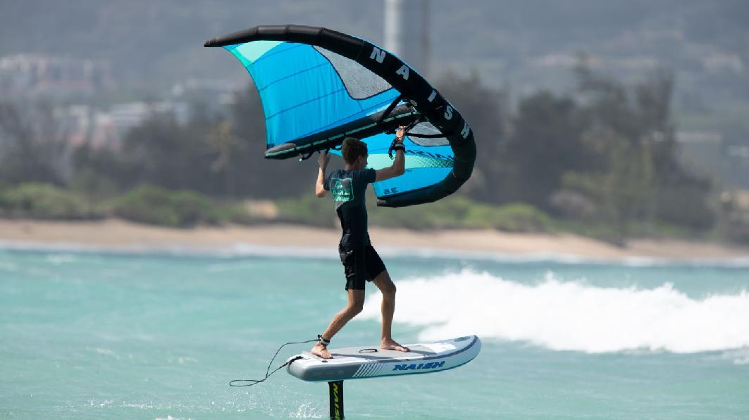 S26SUP_Action_HoverInflatable_B
