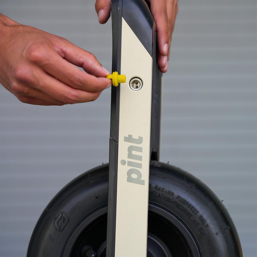 Onewheel-Pint-Charger-Plug-1