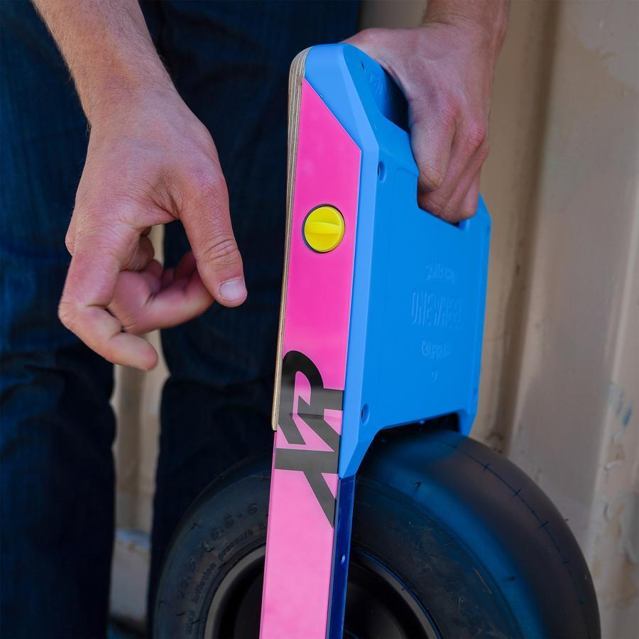 Onewheel-XR-Charger-Plug-2